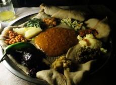 shiro, injera, doro wot, Ethiopian food, Ethiopian cuisine, Four Sisters Restaurant