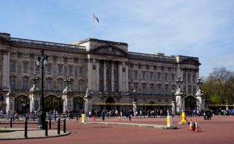 Buckingham Palace, London tourism, Queen Elizabeth