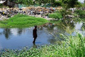 Msimbazi River, Dar es Salaam, The East African, journalism, travel blog, Elizabeth McSheffrey, slum, pollution, rainy season
