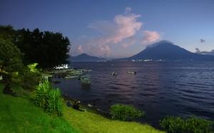 Panajachel, Calle Santander, Lake Atitlan, Guatemala, Guatemala itinerary, things to see in Panajachel, Lake Atitlan itinerary, villages of Lake Atitlan, Panajachel nightlife, michelada, Calle de la Playa