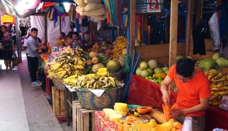 Chichicastenango, Chichcastenango Market, Chichicastenango tourism, tourism Guatemala, Guatemala itinerary, travel Guatemala, Maya women, Maya people, guipils, huipils