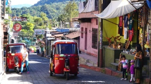 tuk tuk, Santiago Atitlán, Lake Atitlán, wonders of the world, Guatemala, Guatemala tourism, Guatemala attractions, Panajachel, villages of Lake Atitlán, Guatemala itinerary,