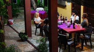El Tunco, El Salvador, Papaya Lodge, travel El Salvador, El Salvador itinerary, Elizabeth Around the World, Elizabeth McSheffrey